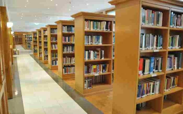 Τα πανεπιστήμια «διώχνουν» τις συλλογές επιστημονικών βιβλίων