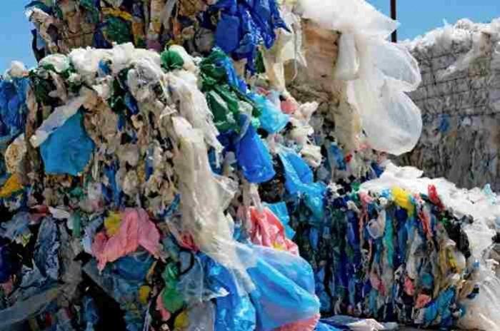 Ωφελεί η απαγόρευση της πλαστικής σακούλας;